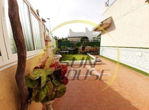 Casa / Chalet independiente en venta en calle Maladeta s/n, Torrevieja